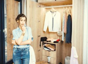 trier ses vêtements organiser ranger penderie armoire dressing